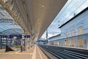 Alles auf Schiene beim Salzburger Hauptbahnhof.