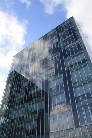 """Perfektes Facility-Management: Die Doppelfassade des """"Nature Towers"""" in Lissabon ist begeh- und daher auch leicht reinigbar."""