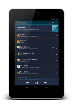 """Das Nexus 7 mit der Musikanwendung, die für """"Jelly Bean"""" in einigen Details verbessert wurde."""