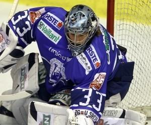Dominant im Grunddurchgang, wackelig in den Play-Offs: Robert Kristan, slowenischer Schlussmann von Medveščak Zagreb.