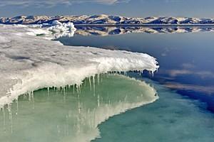 Der arktische Sommer beginnt Mitte Juni. Seit 1979 hat das Meereis bereits drei Viertel seines Volumens verloren.