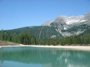Gesamtgehzeit 5 Stunden, Höhendifferenz 800 m. Die Dümlerhütte ist bis Ende Oktober durchgehend bewirtschaftet. Standseilbahn bis 7. Oktober in Betrieb. ÖK25V Blatt 4207-Ost  (Windischgarsten),  Maßstab 1:25.000. Eine etwas anstrengende Runde auf der Wurzeralm mit Abstecher zum  Stubwieswipfel.