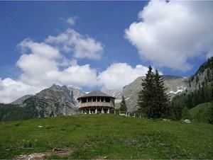 Die Wurzeralm liegt zwischen Roter Wand, Stubwieswipfel und Warscheneck auf 1.400 Meter Seehöhe.