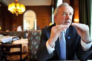 FPK-Landeshauptmann Gerhard Dörfler ist davon überzeugt, dass die hohen Kosten für das Asylheim auf der Saualm gut investiert sind.