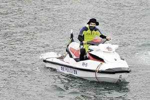 Expo-Polizei auf dem Jetski.