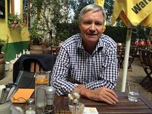 """""""Ja, im Sonnenhaus braucht man eine Zusatzheizung, aber  im Passivhaus brauchen Sie im Endeffekt für Warmwasser auch eine Zusatzheizung"""", sagt Martin Leitl, der dem """"Sonnenhaus"""" in Österreich zum Durchbruch verhelfen will."""