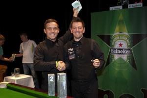 Der zweitplatzierte Jamie Jones (li.) und der Gewinner der Vienna Snooker Open, Simon Bedford.
