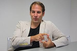 """Bernd Semrad arbeitet am Institut für Publizistik- und Kommunikationswissenschaft: """"Es ist kein 08/15-Job, ich würde es auch nie bloß als Beruf bezeichnen, es ist eine Berufung."""""""