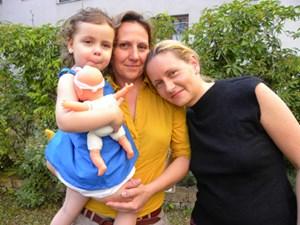 Die Ärztin Eva Masel (re.) mit ihrer Familie.