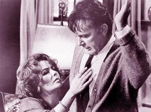 """Scheitern: Martha (Liz Taylor) und George (Richard Burton) in E. Albees Stück: """"Wer hat Angst vor Virginia Woolf?"""" (Verfilmung 1966)."""