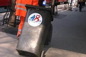 Die MA 48 ist für die Verträge der Abfallberater zuständig.
