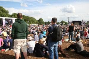 Für das Public Viewing im Hyde Park braucht man keine Tickets, sollte aber Sitzdecke, Sonnencreme und Regenschutz nicht vergessen.