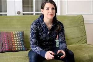 "Sarkeesian in ihrem Kickstarter-Projektvideo ""Tropes vs. Women in Video Games"""
