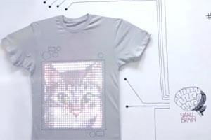 tshirt OS: Textil schießt Fotos und zeigt YouTube-Videos.