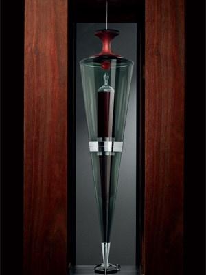 """Der Cabernet Sauvignon """"Ampoule 2004"""" ist bislang der teuerste Wein, der jemals in Österreich den Besitzer wechselte."""