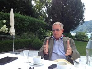 Er glaubt nicht, dass die FPK das noch lange durchziehen werde, so der ehemalige Landeshauptmann Christoph Zernatto.