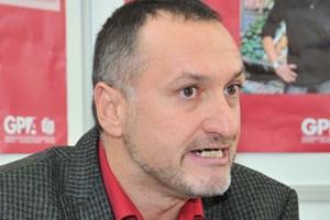 Manfred Wolf, Vertreter der Handeslangestellten in der Gewerkschaft, fordert eine sechste Woche Urlaub.