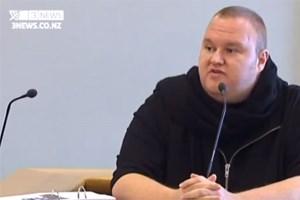 Kim Dotcom sagt vor Gericht aus, dass er bei seiner Festnahme geschlagen wurde