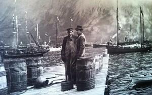 Das Leben der Fischer war karg und mühsam. Aber zumindest gab es Arbeit - bis das Meer leer war. -> Hier gibt's eine Ansichtssache aus dem Museum.