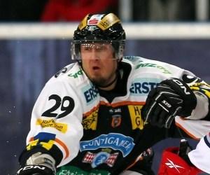 Sven Klimbacher, Neuzugang aus Graz, ist der Spieler mit der größten EBEL-Erfahrung im Team. Seine 603 Einsätze werden ligaweit nur von acht Cracks übertroffen.