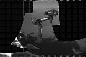 """""""Curiosity"""" reckt und streckt sich: Das jüngste NASA-Foto zeigt den erfolgreichen Vollzug des Manövers."""