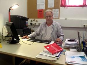 Josef Iraschko, Mietrechtsexperte und KPÖ-Bezirksrat in der Leopoldstadt, unterstützt die Bewohner, die ...