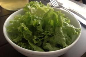 Da haben wir den Salat: Suppe war aus bei Santners.