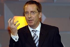 Sieht Reformbedarf  bei den Sozialsystemen auch in besser dastehenden Ländern wie Deutschland: IW-Chef Michael Hüther.