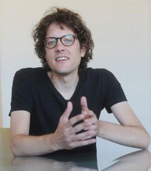 """Starker Mann? Nein, danke! Für die Jugend ist Demokratie """"ganz klar die beste Staatsform"""", sagt Jugendforscher Philipp Ikrath."""