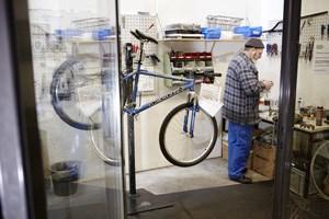 ... es gibt ein Reparaturservice und man kann das Fahrrad auch reinigen lassen.