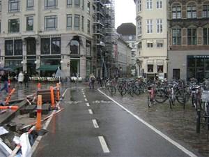 """Die dänische Hauptstadt als Vorbild:  In den neuesten Fibeln der Stadt- und Verkehrsplaner ist bereits von """"copenhagenize"""" -  vom Kopenhagenisieren der Welt - die Rede."""