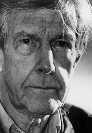 Präparierte Klaviere, notenlose Partituren und das Zufallsprinzip: John Cage (1912-1992).