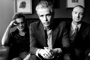 James Johnston und seine Band Gallon Drunk aus London spielen seit zwei Jahrzehnten Blues und Rock 'n' Roll unter besonderer Berücksichtigung von Amoklauf und Punk.