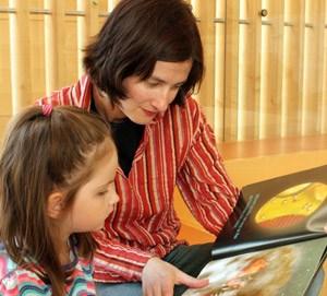 Vor allem junge Leseratten kommen gerne in Begleitung ihrer Eltern.