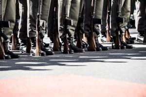 Antreten - aber wofür eigentlich? Die Miliz soll gestärkt und auch eingesetzt werden - was Rechtsfragen aufwirft und Neider auf den Plan ruft.