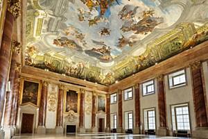 Das Gartenpalais Liechtenstein hat mit Beginn des Jahres 2012 seinen regulären Museumsbetrieb nach acht Jahren eingestellt. Schwerpunkt wird künftig auf Event-Marketing liegen, öffentliche Kunstführungen gibt es weiter an bestimmten Terminen.