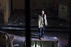 """Unerwarteter Mystery-Thriller des als Regie-Brutalos bekannt gewordenen Pascal Laugier: Jessica Biel in """"The Tall Man"""" (2012)."""