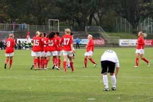Österreichs Fußball-Damen, hier beim Sieg gegen Armenien im vergangenen Oktober, schließen die Qualifikation auf jeden Fall erfolgreich ab. Gegen Dänemark geht es vor allem um die Vorbereitung auf das Play-Off.