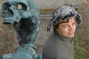 """""""Wichtigen Themen sollte man sich mit leichter Hand nähern, sonst klingt man schnell wie ein Oberlehrer"""": Autor Radek Knapp."""