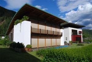 Nicht nur in Österreich, auch südlich vom Brenner floriert das Einfamilienhaus - ein Entwurf des Südtiroler Architekten Matteo Thun.