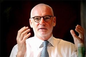 """""""Mir gefällt die Idee, dass alle glauben, wir werden scheitern"""", sagte Sky-Programmchef Gary Davey vor zwei Monaten dem STANDARD. Harald Schmidt zählt für ihn absolut nicht zum Scheitern, sagt er."""