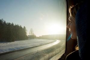 Schweden lässt sich gut mit dem Zug bereisten. Allerdings sollte man sich vorab ein Ticket kaufen.Info: Statens Järnvägar (SJ)