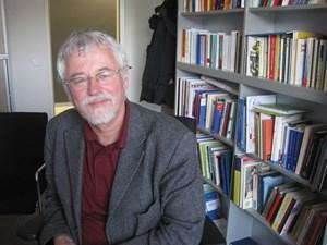 """""""Das Deutschlernen widerspricht nicht dem Erlernen anderer Sprachen"""": Sprachwissenschaftler Rudolf de Cillia."""