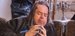 """Hermes Phettberg in einem Screenshot des Films """"Elender"""", der im Jahr 2007 von seinem Freund Kurt Palm veröffentlicht wurde."""