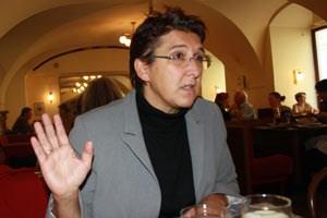 """""""Wenn man versucht, im Parlament Beschlüsse herzustellen, die viele nicht verstehen und die Verwunderung und Zorn erzeugen, dann macht mir das Sorgen"""": Sonja Ablinger."""