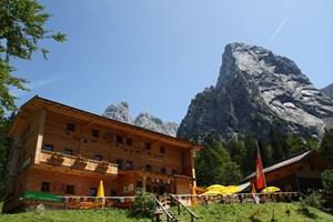 Alle Wanderrouten zu den Hütten im Hüttenatlas sind öffentlich erreichbar.