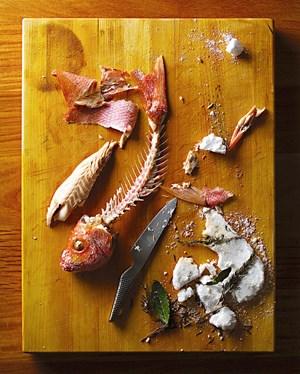 Auch ein filetierter Fisch kann ästhetisch sein - wenn er gekonnt fotografiert wird.