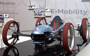 """Schicke Modelle gehören zu einem """"Future Lab"""" natürlich dazu."""