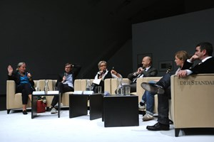 Von links: Agnes Husslein-Arco, Markus Schinwald, Andrea Schurian, Norbert Kettner, Rita Vitorelli, Nicolaus Schafhausen.