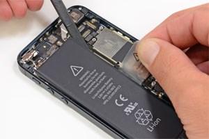 Das iPhone 5 lässt sich laut iFixit einfacher reparieren ...